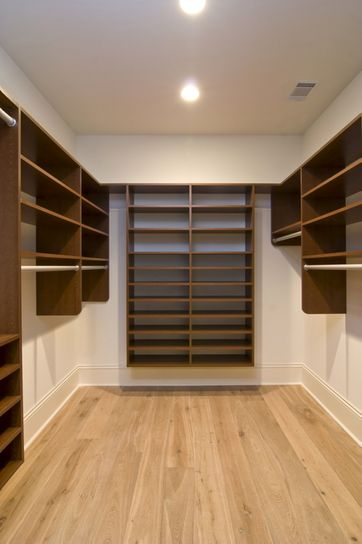 walk in closet. Black Bedroom Furniture Sets. Home Design Ideas