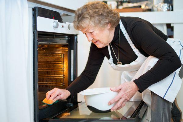 Sådan får du en helt ren ovn